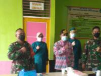 Komandan Kodim 1201 Mempawah Kunjungi Vaksinasi Masyarakat Desa Sejegi