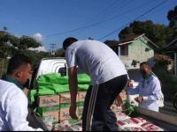 Ketua Fraksi PKB DPRD Kabupaten Mempawah Subandio SH, Serahkan Puluhan Sembako Untuk Korban Banjir