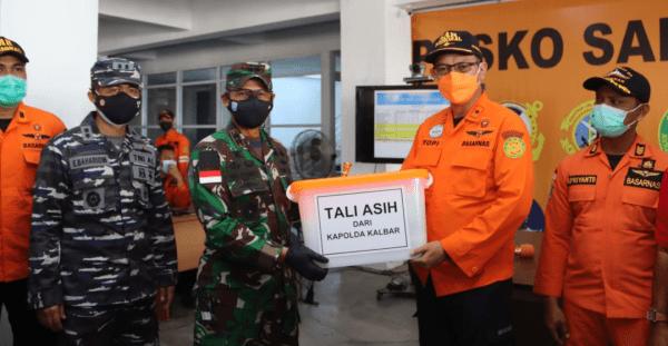 Pangdam XII/Tpr Tinjau Posko Evakuasi Kecelakaan Kapal
