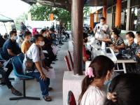 Lanjutan Serbuan Vaksin TNI AL kepada Masyarakat Maritim Lantamal XII di Pel. Dwikora Pelindo II Kota Pontianak.