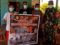 Babinsa Pangkalan Batu Sosialisasi Pencegahan Karhutla di Desa Binaan