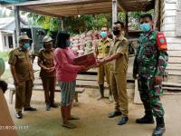 Koramil 05/Toho, Berikan Bantuan Sembako dan Kesehatan Gratis pada Warga Korban Banjir
