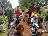 Babinsa Mempawah Hilir Laksanakan Patroli Bersama Tim Karhutla