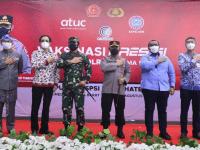 Tinjau Vaksinasi Massal KSPSI di Sumedang, Kapolri: Kesehatan Buruh Terjaga Ekonomi Bertumbuh
