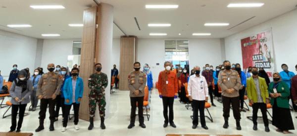 Pangdam XII/Tpr dan Forkopimda Hadiri Vaksinasi Massal oleh BEM di Kalbar