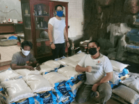Sambut HUT Ke-76 RI, Perisai DKI Jakarta Salurkan Bantuan Beras 10 Kg