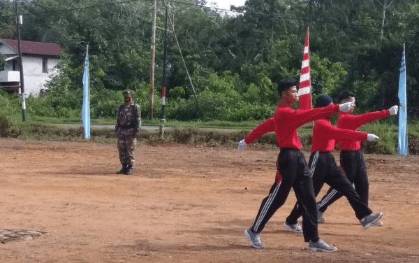 Babinsa Mempawah Hilir Pastikan Kesiapan Pengibar Bendera 17 Agustus di Kecamatan