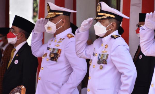 Komandan STTAL Hadiri Upacara Pengibaran Bendera Merah Putih Dalam Rangka Peringatan HUT Ke 76 Kemerdekaan RI Tahun 2021