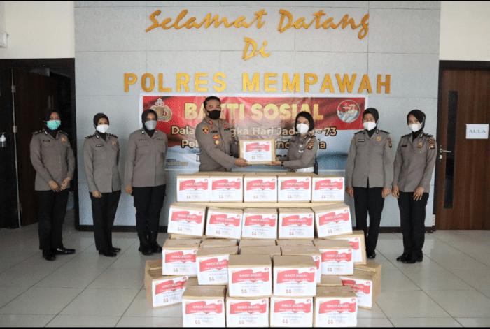 Bakti Sosial Dalam Rangka Hari Jadi Ke 73 Polwan Republik Indonesia di Polres Mempawah