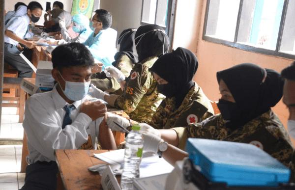 Serbuan Vaksin Siliwangi Silih Lindungi, Digelar di SMA PGRI 31 Pangalengan
