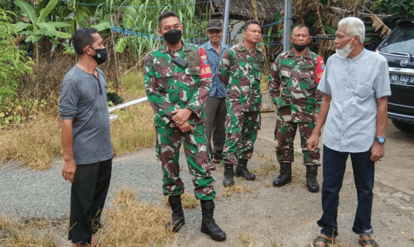 Danramil Mempawah Hilir Dampingi Komandan Kodim 1201 Mempawah Tinjau Lokasi Karyabakti TNI