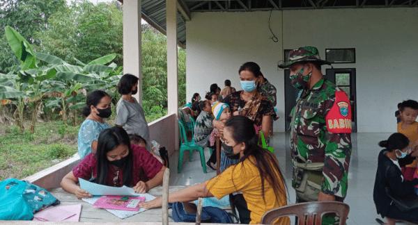 Peduli Pertumbuhan Balita, Babinsa Toho Dampingi Pelayanan Posyandu di Wilayah Binaan