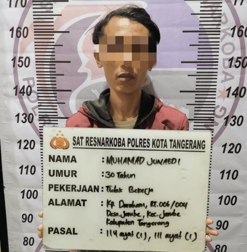 Satresnarkoba Polresta Tangerang Tangkap MJ Sembunyikan Ganja Di Bawah Kasur
