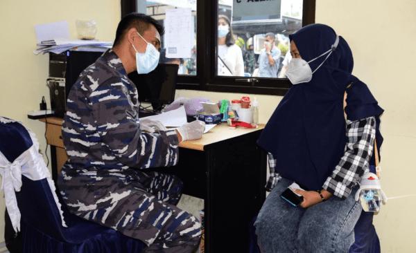 KEJAR TARGET HERD IMMUNITY, PUSHIROS TNI AL GELAR VAKSINASI COVID-19 SECARA RUTIN