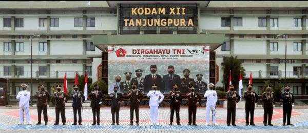 Pangdam XII/Tpr dan Forkopimda Ikuti Upacara HUT ke-76 TNI Secara Virtual