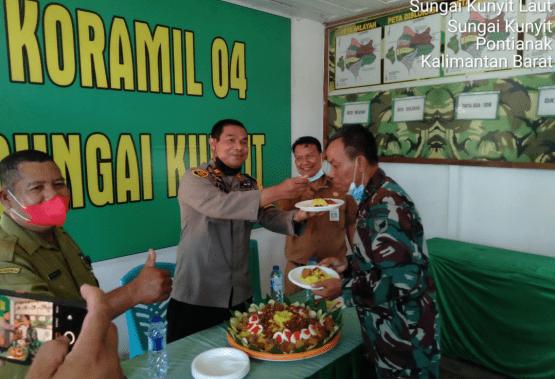 Kepolsek Sungai Kunyit Beri Ucapan HUT TNI Ke 76 Kepada Danramil Kapten Mino