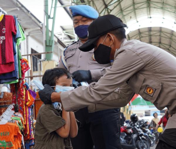 Satgas KRYD PPKM Level 2 Laksanakan Patroli Gabungan