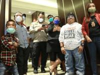 Apresiasi 2 Tahun Pemerintahan Jokowi, Pemuda Indonesia Center Melakukan Kegiatan Sosial