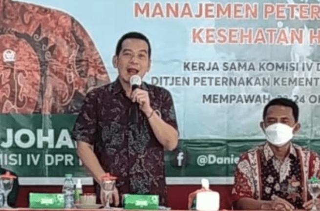 Daniel Johan Suport Bimtek Peternakan Upaya Peningkatkan Kesejahteraan Peternak Masyarakat Kab. Mempawah