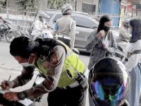 Tekan Angka Laka, Unit Lantas Polsek Pontianak Barat Lakukan Penindakan Pelanggaran Kasat Mata