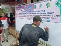 Sukseskan Germas di Hari Sumpah Pemuda, Anggota Koramil Toho Ikut Senam Bersama